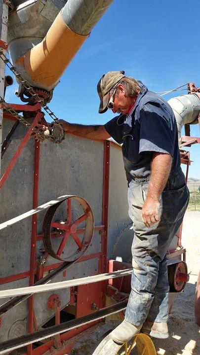 Repairing the Einkorn thresher