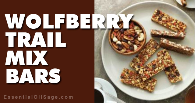 Recipe: Wolfberry Trail Mix Bars