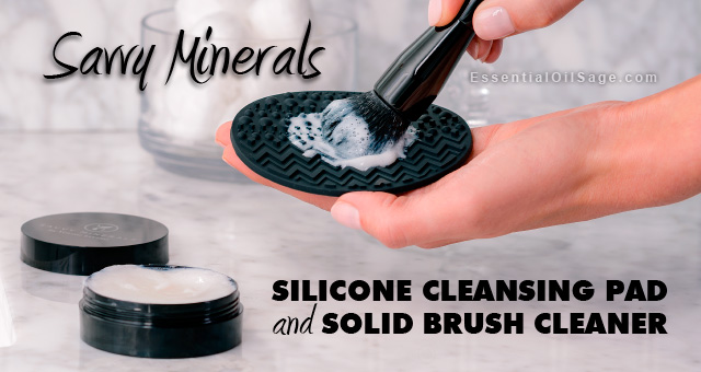 Savvy Minerals Solid Brush Cleaner and Silicone Cleansing Pad